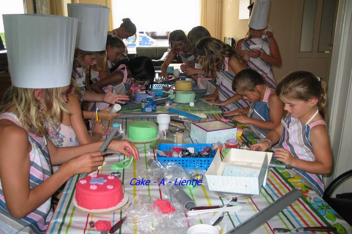 Kinderfeestje taart versieren - Spiegel barokke thuis van de wereld ...